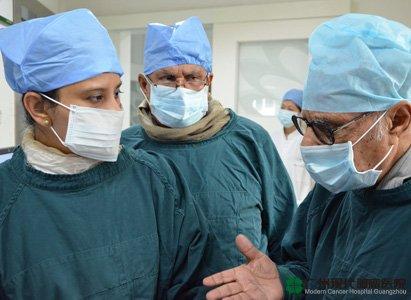孟加拉专家访问现代医院