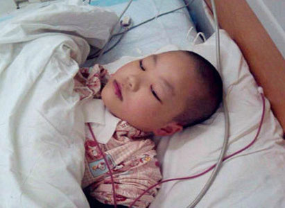 Little Leukemia Girl,bone marrow transplantation,moment of love