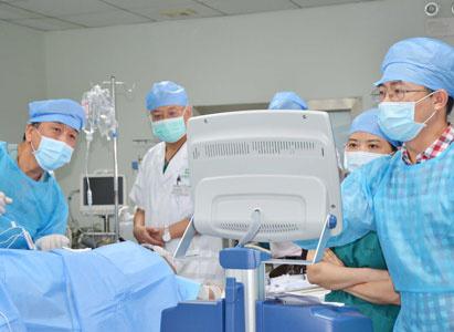 ung thư đại tràng, điều trị ung thư đại tràng, ung thư đại tràng di căn gan, dao nano, Bệnh viện Ung thư St. Stamford Quảng Châu