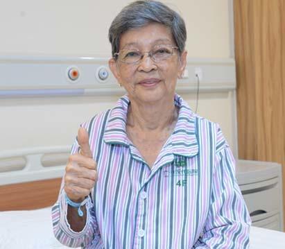 Memilih Karena Percaya, Kisah Seorang Pasien Kanker Usus Stadium 4 Berusia 77 Tahun