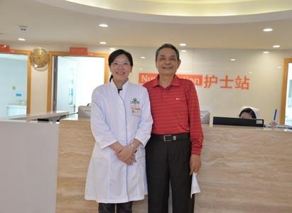 """Giành được giải quán quân trong thời gian điều trị, bệnh nhân ung thư người Việt Nam cảm ơn bác sĩ Trung Quốc đã cho ông """"sinh mạng thứ hai"""""""