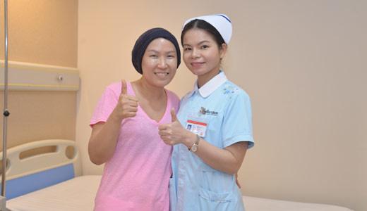 ung thư vú, liệu pháp điều trị ung thư vú, liệu pháp xâm lấn nhỏ, liệu pháp can thiệp nút mạch, xạ trị
